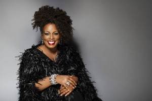So sieht eine Jazz-Diva aus: Dianne Reeves. Photo Credit: Universal Music